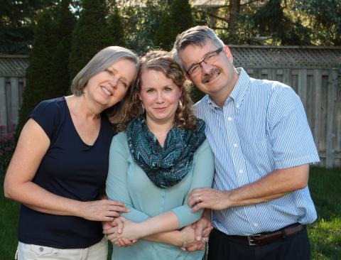 Jenica Groot-Nibbelink and her parents Carolyn and Eric.